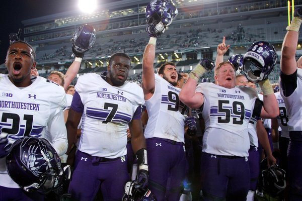 Northwestern Makes Two Ridiculous One-Handed Picks